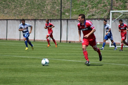 Dilly Duka gets work done during the Fire reserves' 2-1 win over FC Dallas reserves. (photo: chicago-fire.com)