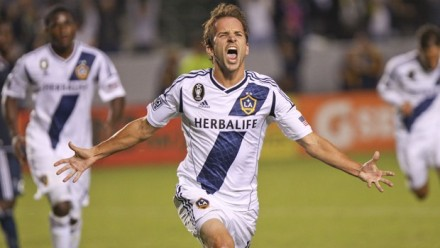 Hello, Mr. November. (photo: lagalaxy.com)