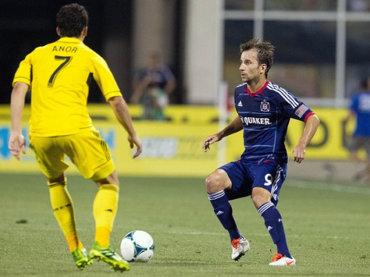Magee plays the hero once again (photo: chicago-fire.com)