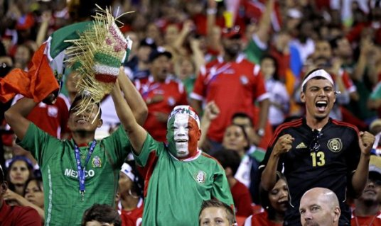 The reported extinction of the happy El Tri fan was premature. (photo: uk.eurosport.yahoo.com)