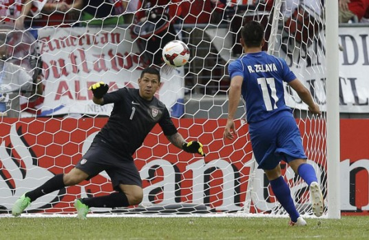 Zelaya: if MLS gets one player from Gold Cup 2013, let it be this guy. (photo: culebritamacheteada.com.sv)