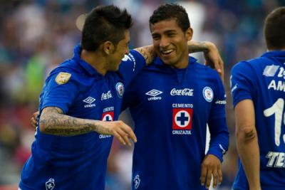 There are more 24-year-old Ecuadorians with a shot at playing in World Cup 2014 than you might think.  (photo: record.com.mx)