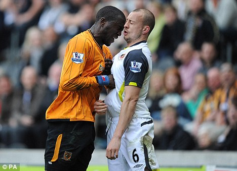 """We said take another shot at """"top flight glory"""", not Alan Hutton.  Or Hull. (photo: dailymail.co.uk)"""