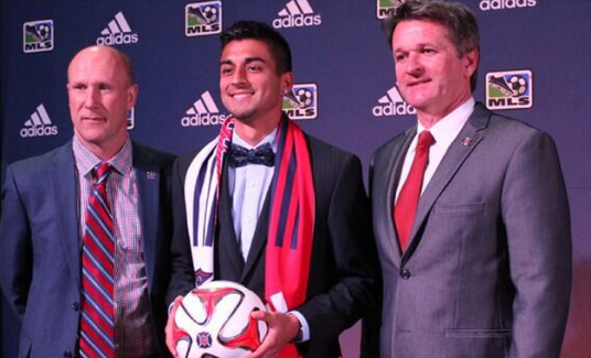 Marco Franco with Brian Bliss and Frank Yallop at the Superdraft (photo: @ChicagoFire)