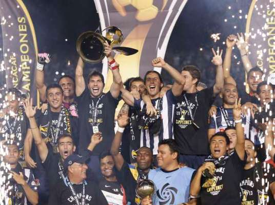 A reminder: we have yet to see a CCL final that wasn't won by Monterrey, or lost by Cruz Azul. (Photo: sports.terra.com)