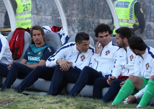 Some played. Others sat. (Photo: bleacherreport.com)
