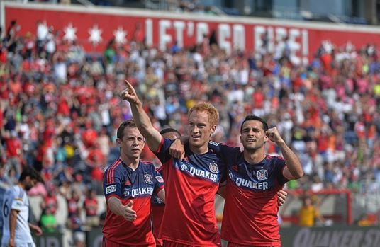 """Big Red says """"Chalk up ANOTHER 1 pointer!"""" (photo: Abel Arciniega 