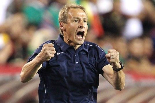 Der Coach is fired up (photo: rumorsandrants.com)