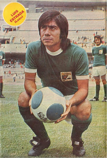 Luis Estrada in his prime. He starred for Club Leon and later with Cruz Azul in the Mexican 1st Division.