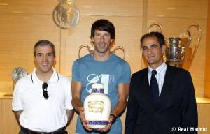 Didn't think you'd need an urn that big for the ashes of your credibility, Ruud. (justanothermadridista.wordpress.com)
