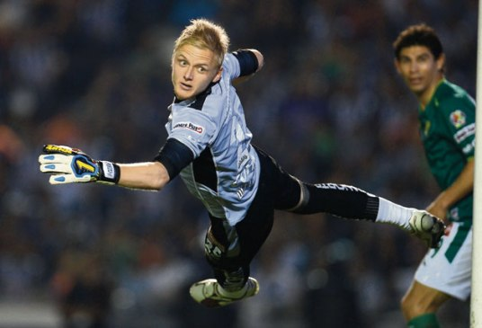 Destined to be the Nick Rimando of his generation in two countries? (am.com.mx)